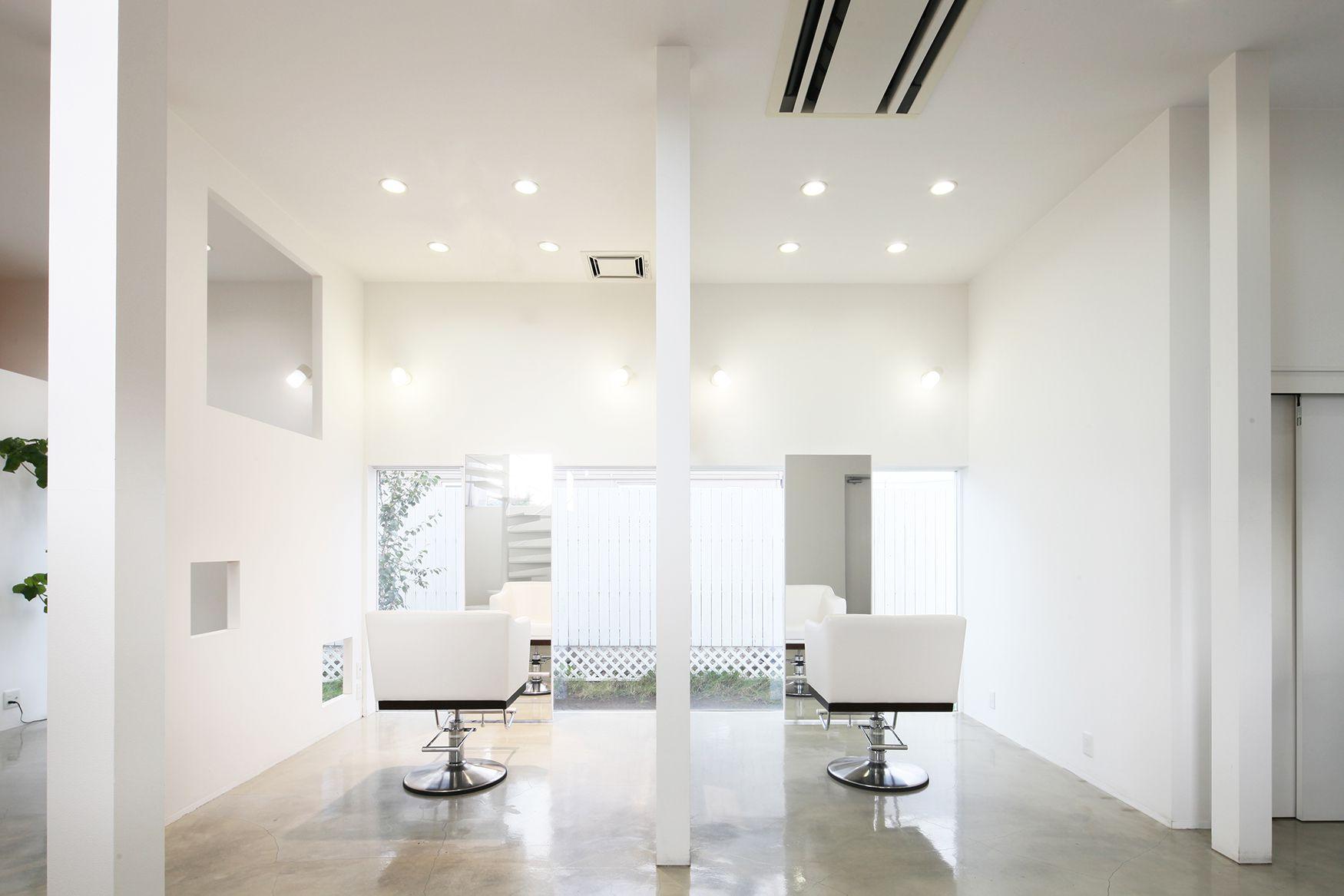 床面積22坪のコンパクトな戸建て美容室