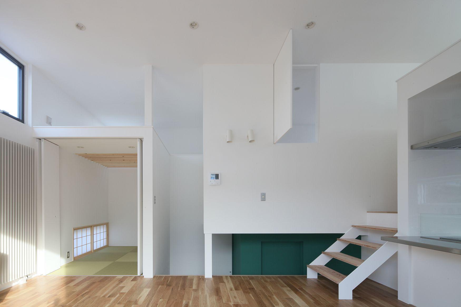 5つのフロアレベルを持つスキップフロア住宅
