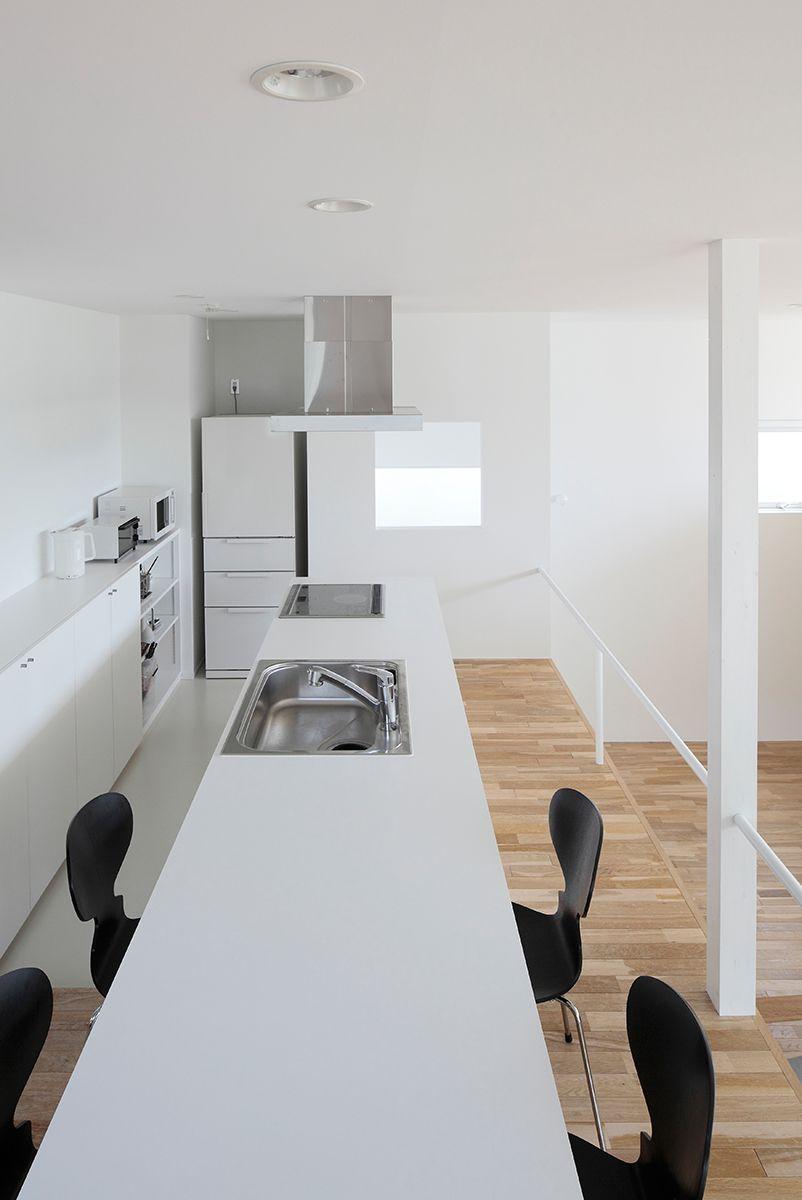 敷地高低差を利用したスキップフロア住宅